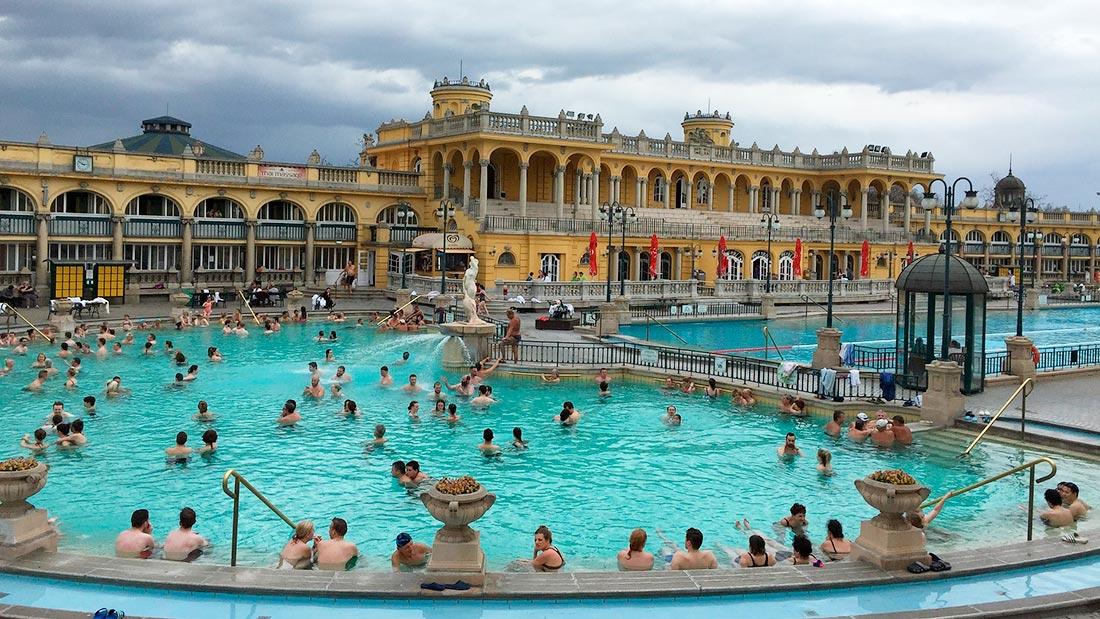 Szècheniy-badet oppleves best utendørs