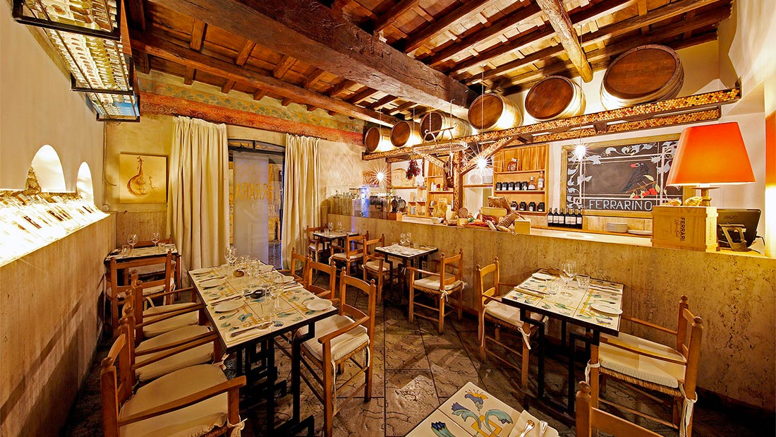Ferrarino Osteria i Trastevere i Roma serverer nydelig pasta.