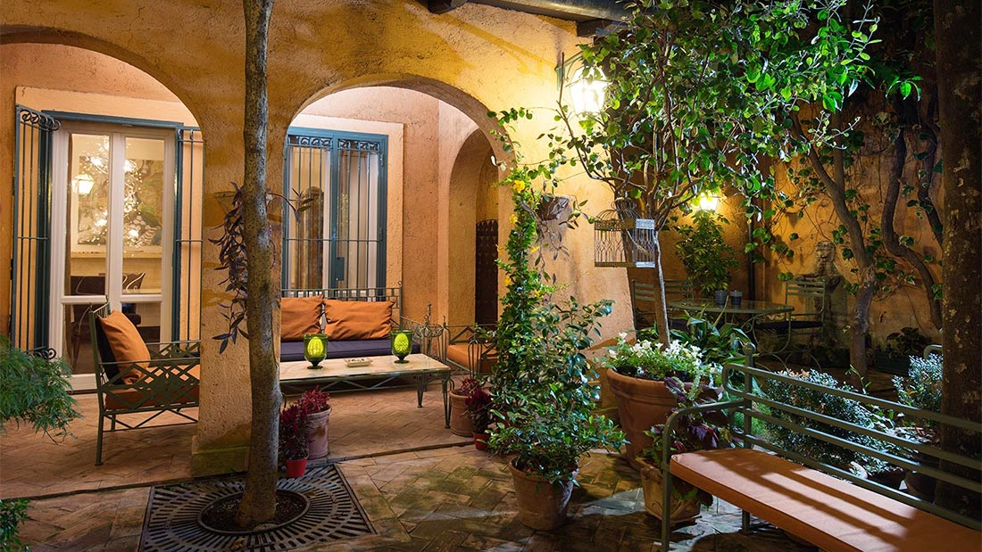 Buonanotte Garibaldi B&B i Trastevere i Roma har en magisk bakgård.