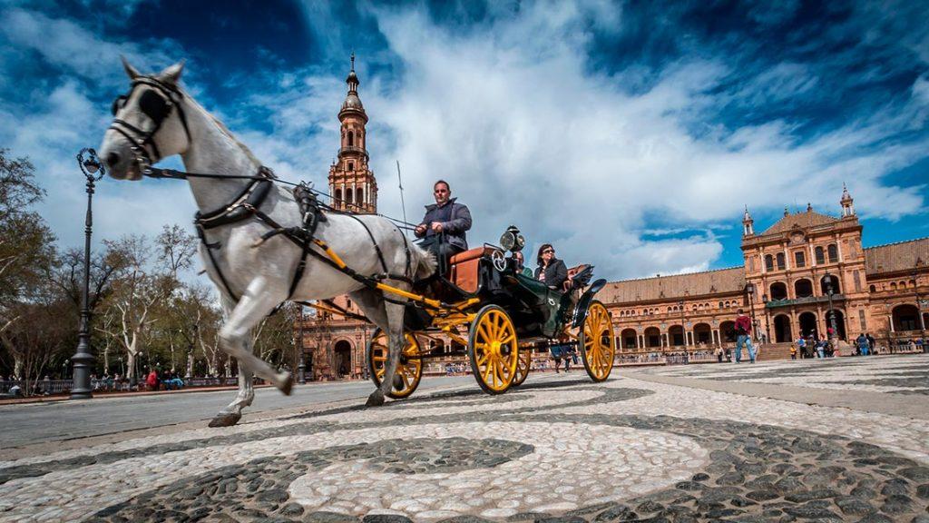 Hest og kjerre i Sevilla