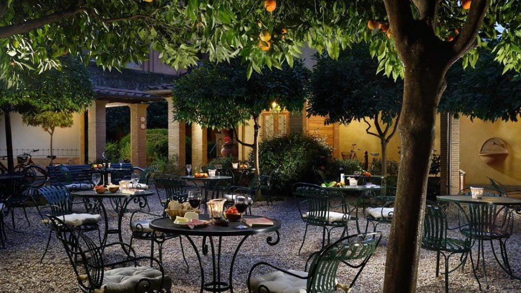 Fra bakgården hos Hotel Santa Maria i Roma